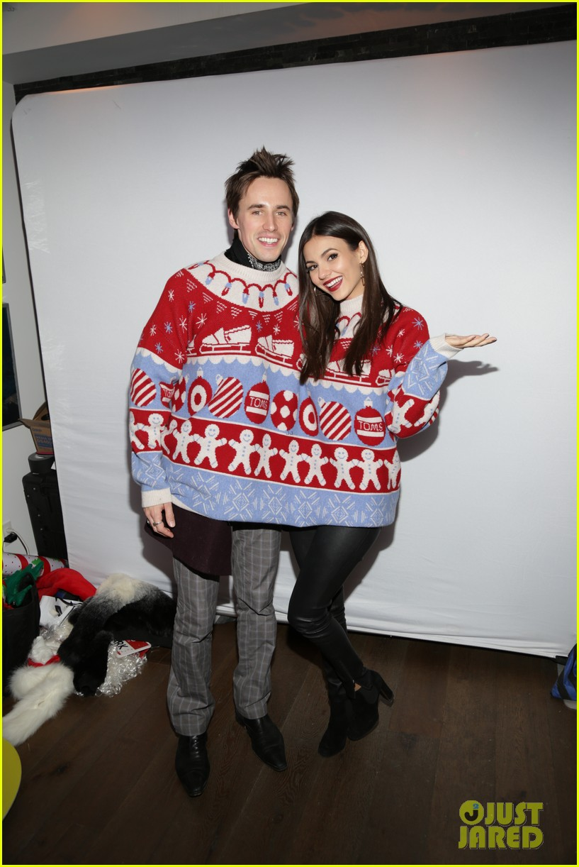 victoria justice reeve carney just jared holiday party 033831107
