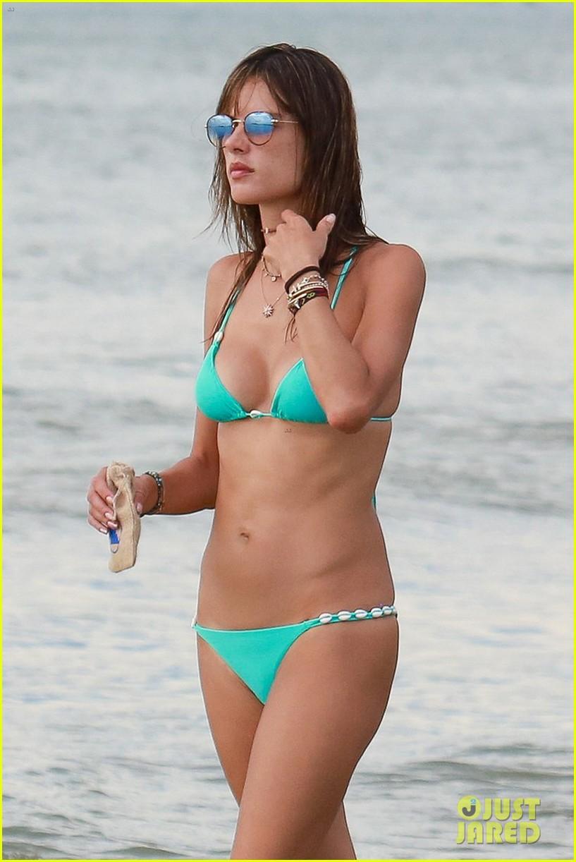 alessandra ambrosio makes a splash in another sexy bikini 043842101