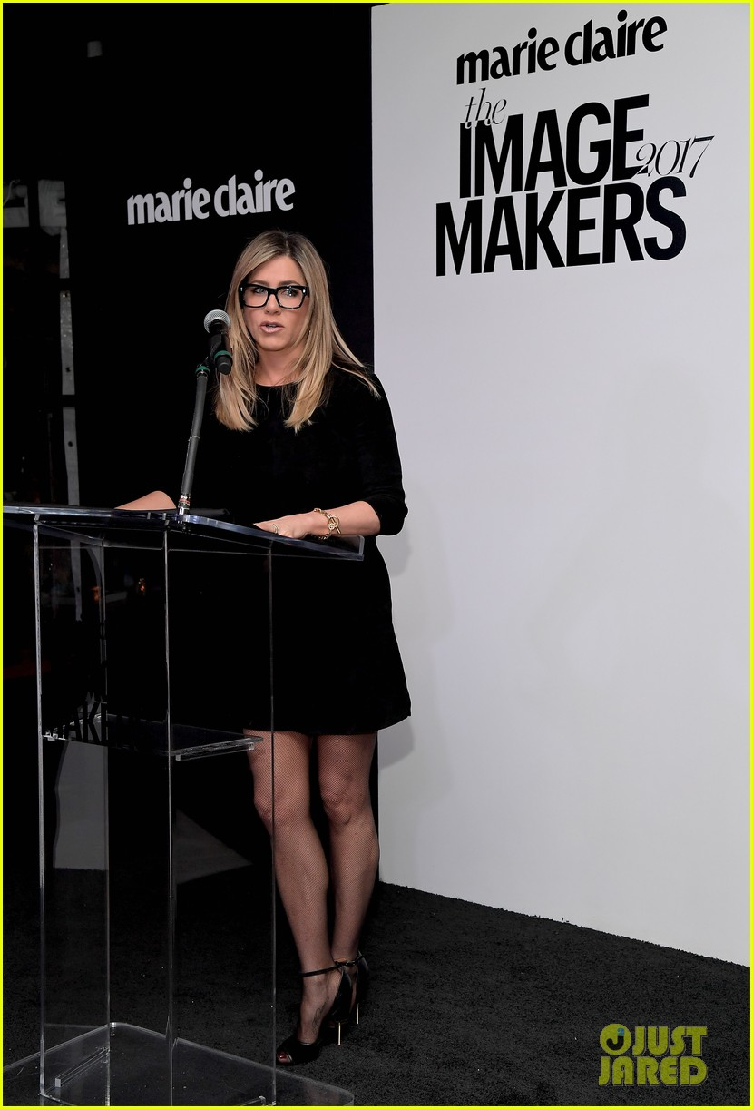 jennifer aniston honors hairstylist chris mcmillan at marie claires image maker awards 013840986