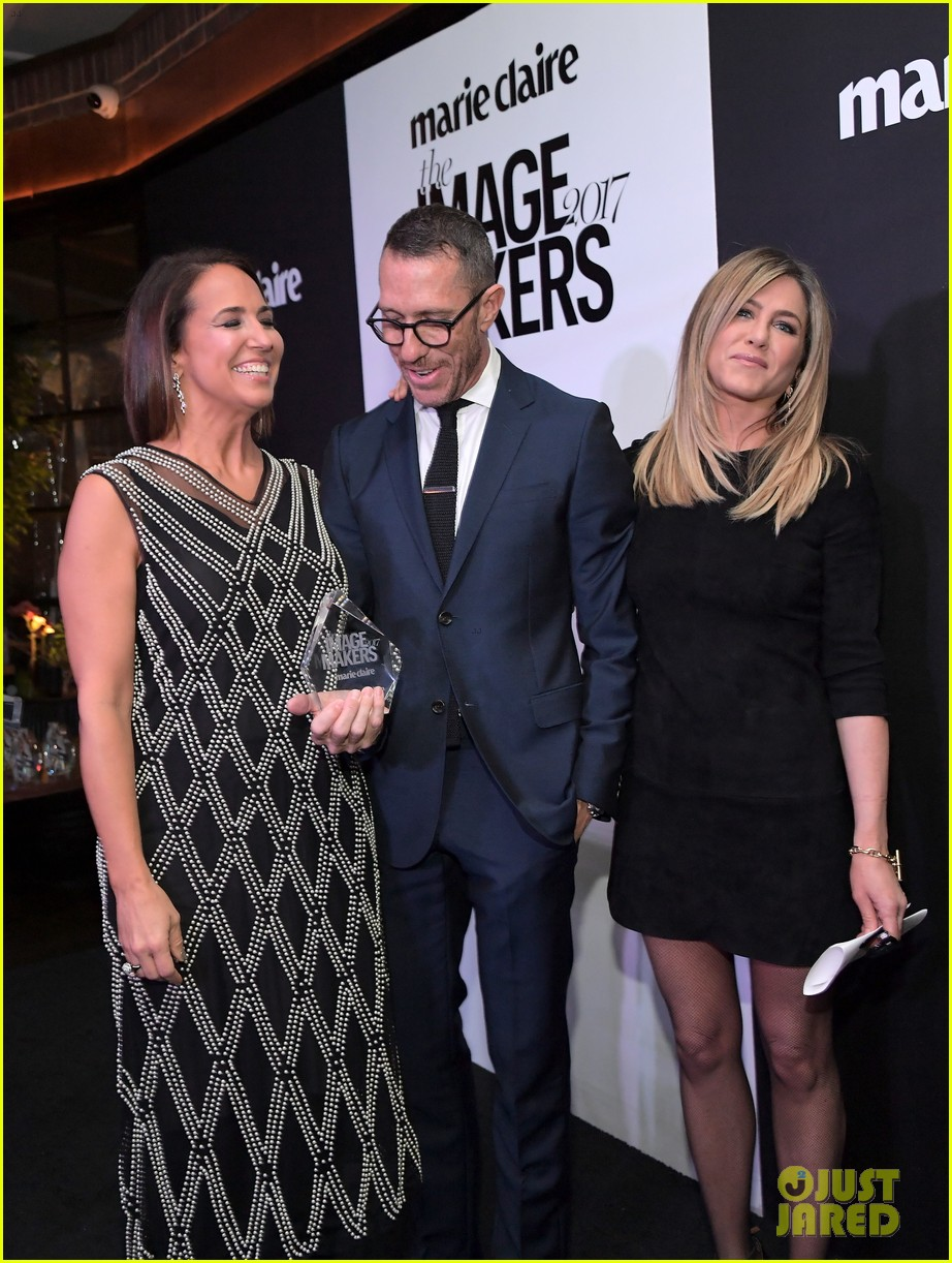 jennifer aniston honors hairstylist chris mcmillan at marie claires image maker awards 133840998