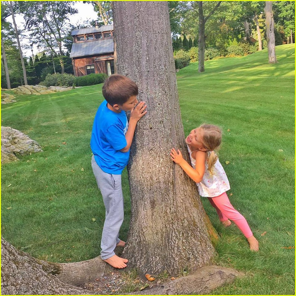 Tom Brady, Wife Gisele Bundchen, & Kids - See Family Photos!: Photo