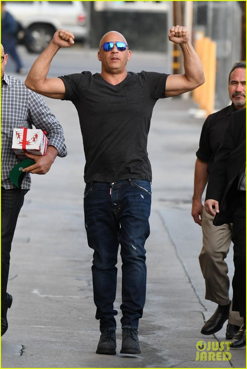 VIDEO: Jimmy Kimmel Gifts Vin Diesel A Giant Gummy Vin Diesel ...