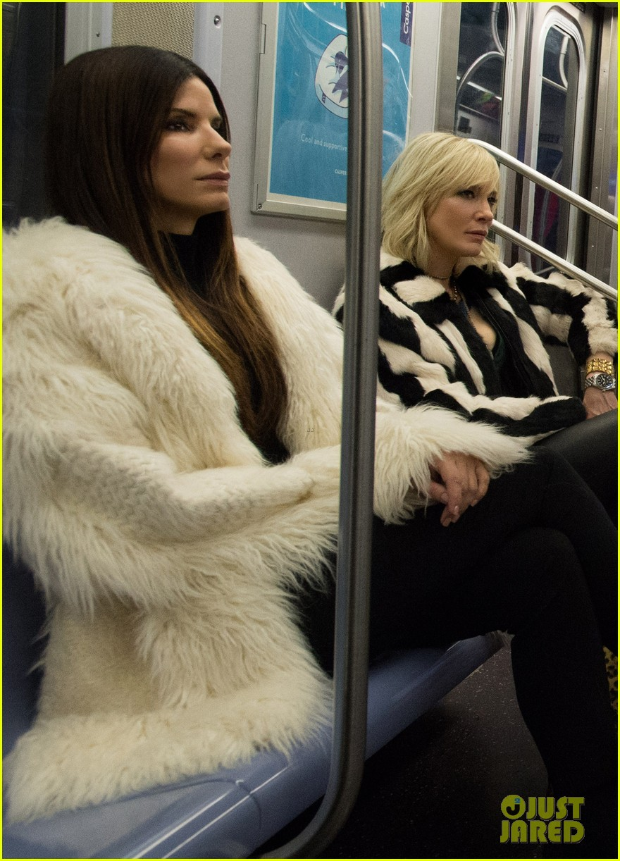 first oceans eight photo cast riding the subway 013850134