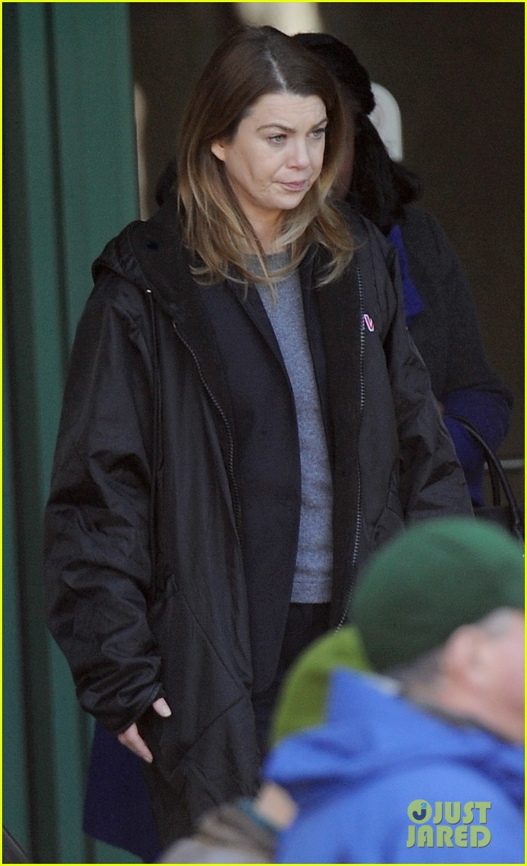 ellen pompeo meredith greys anatomy set 053847782