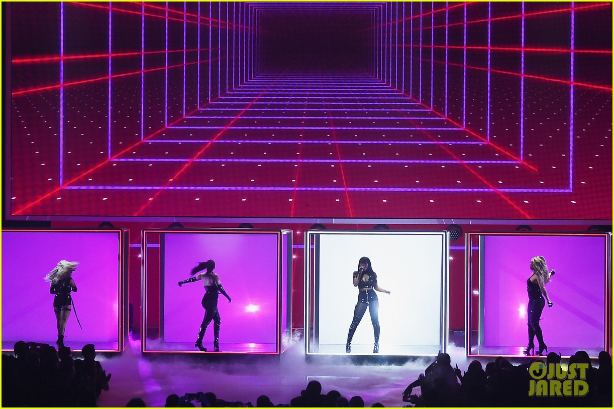 fifth harmony performs without camila cabello for the first time at peoples choice awards 033844332