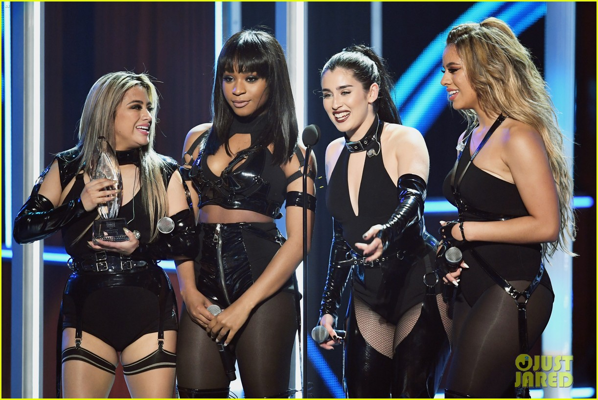 fifth harmony performs without camila cabello for the first time at peoples choice awards 043844333