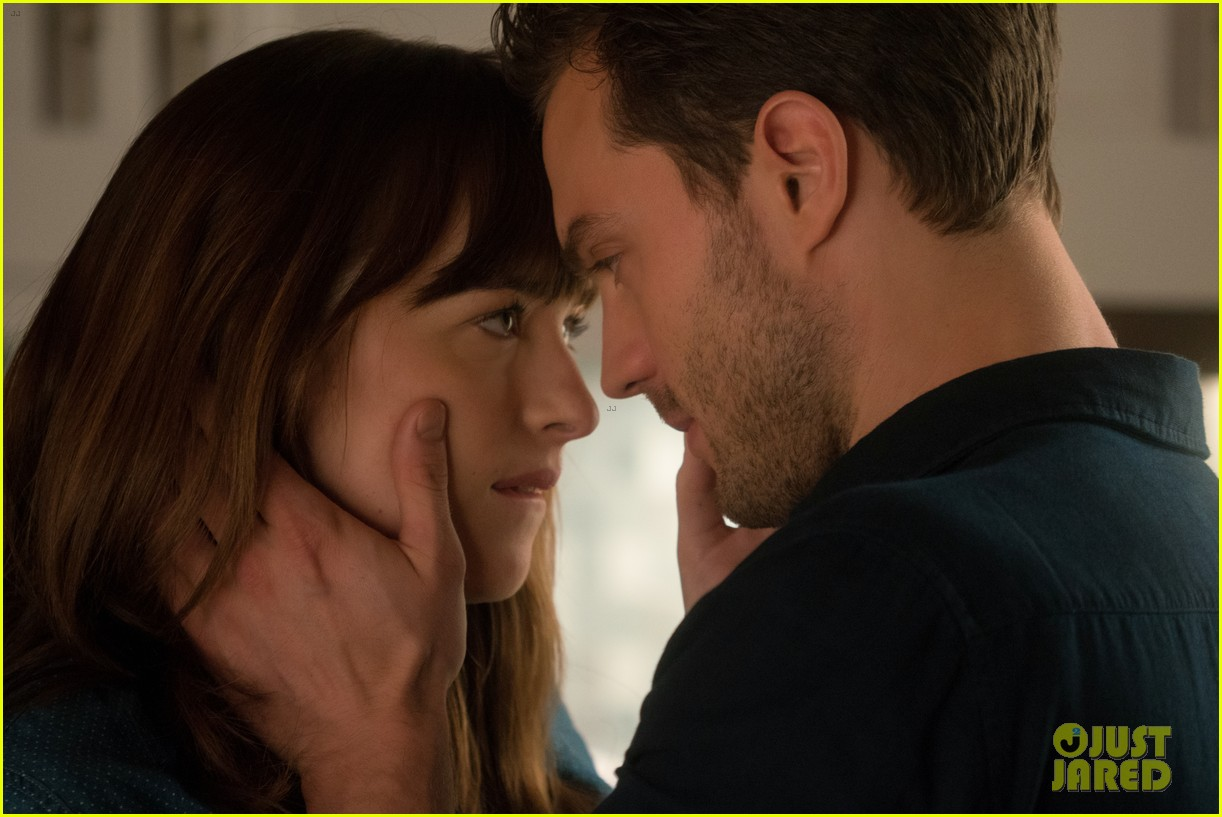 fifty shades darker debuts new extended trailer video 023835781