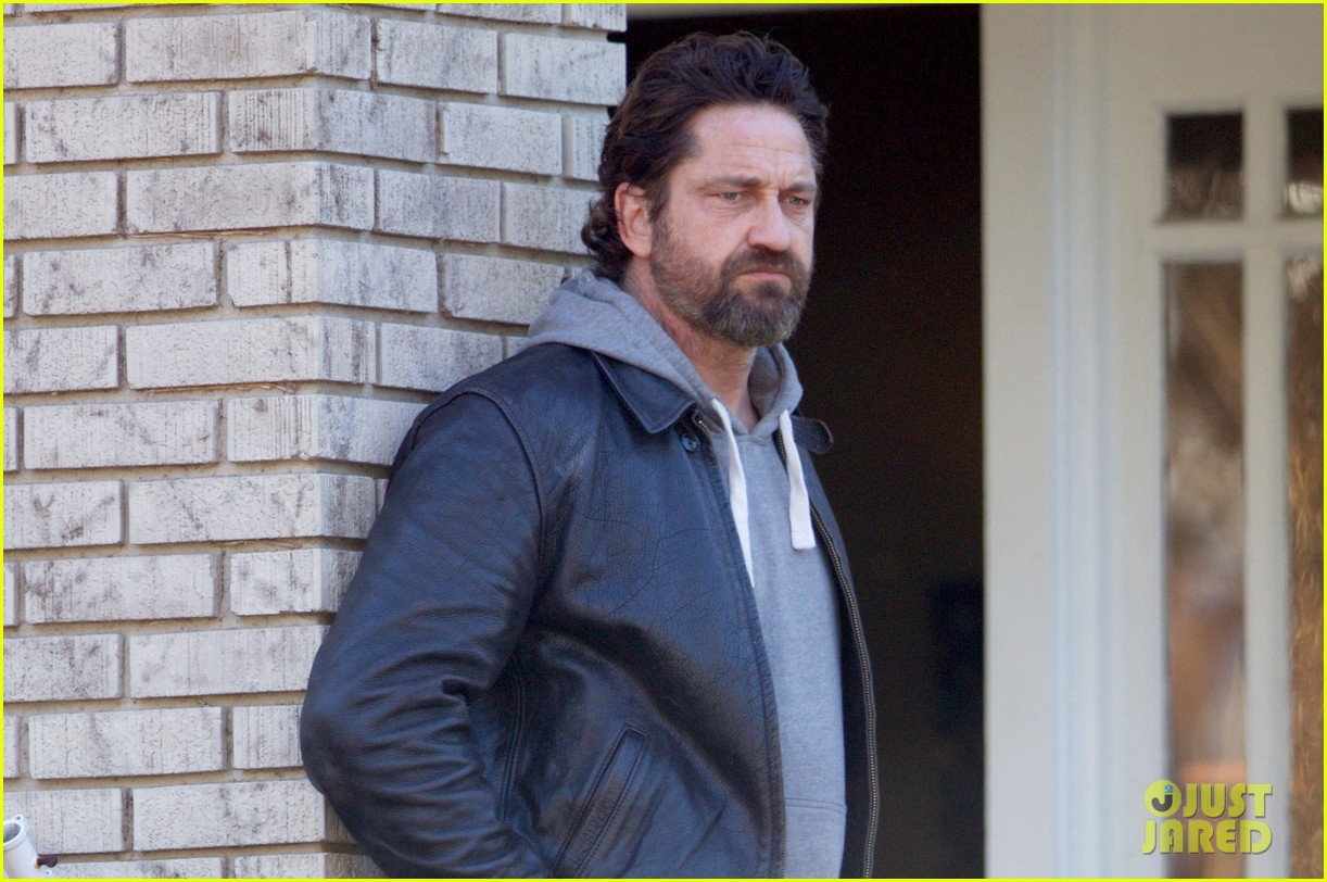 gerard butler starts filming den of thieves 023850695