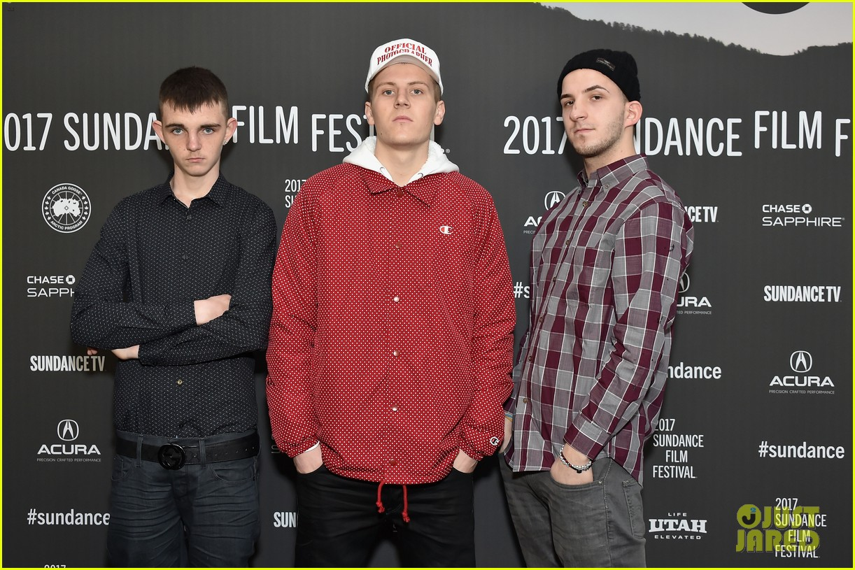 harris dickinson opens up about sexuality at beach rats premiere 043846921
