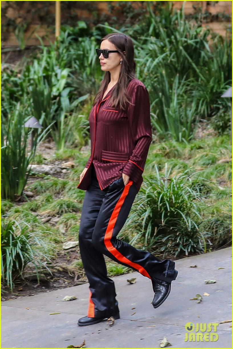 irina shayk shows off baby bump for barneys shopping spree