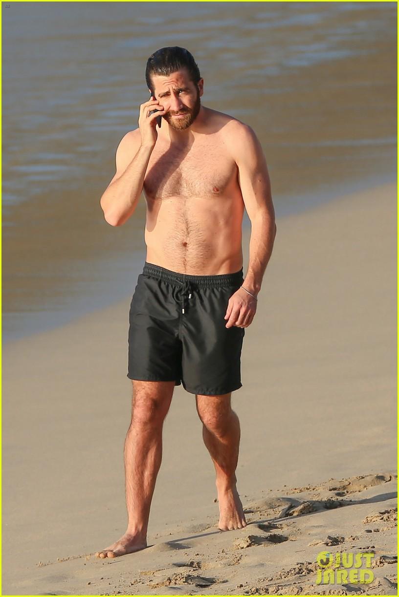 Jake Gyllenhaal is a Buff St. Barts Beach Bum With Greta ...