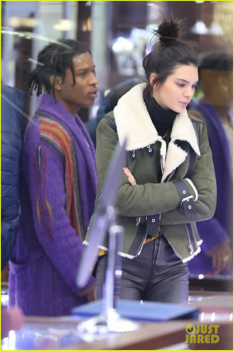 Kendall Jenner Amp Rumored Boyfriend A Ap Rocky Go Shopping