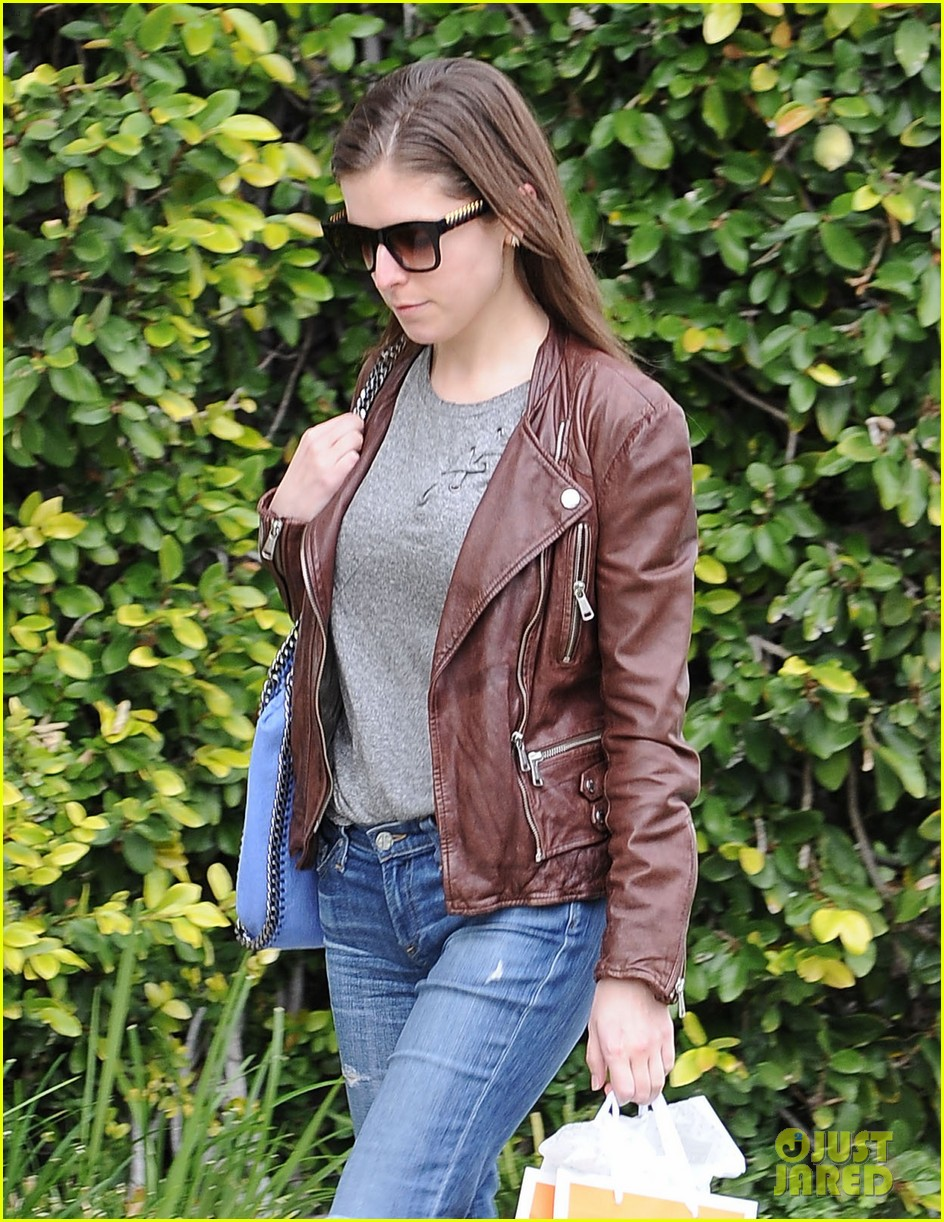 anna kendrick doesnt think actors should talk about sexism 033837123