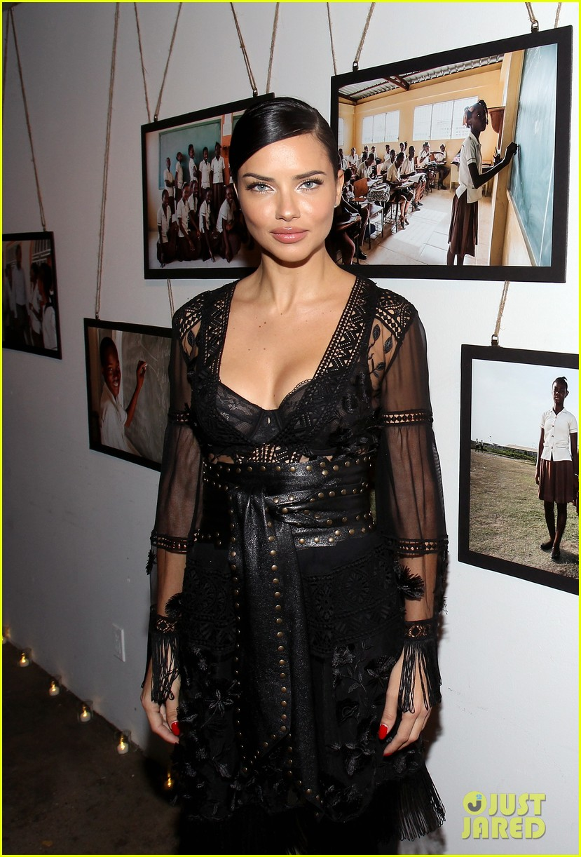 adriana lima positive message to young girls just embrace yourself 093841138