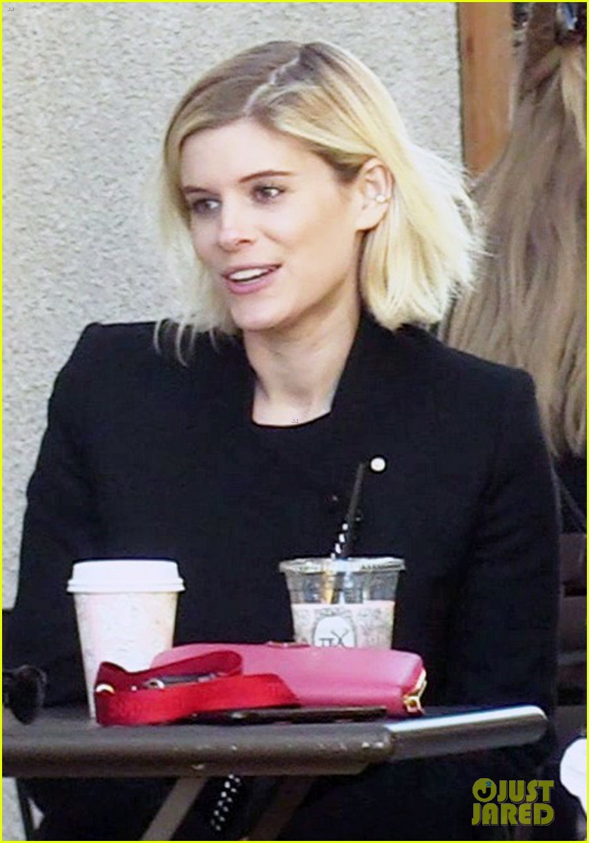 kate mara and jamie bell have adorable afternoon tea date 013850467