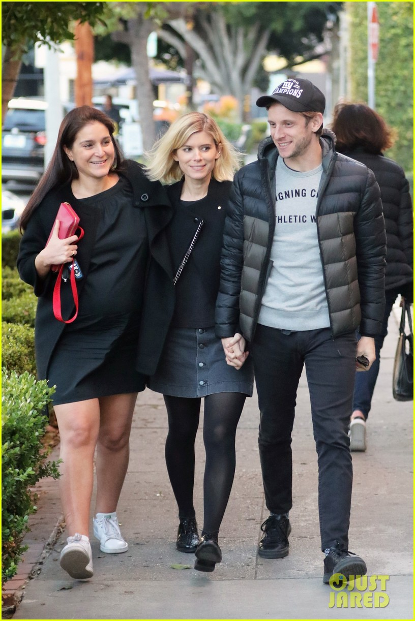 kate mara and jamie bell have adorable afternoon tea date 083850474