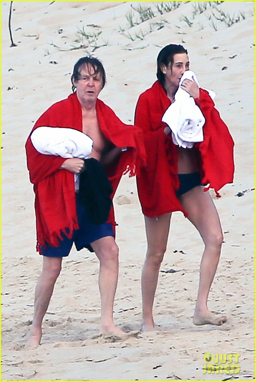 paul mccartney wife nancy shevell shows off fit body at 57 043835126