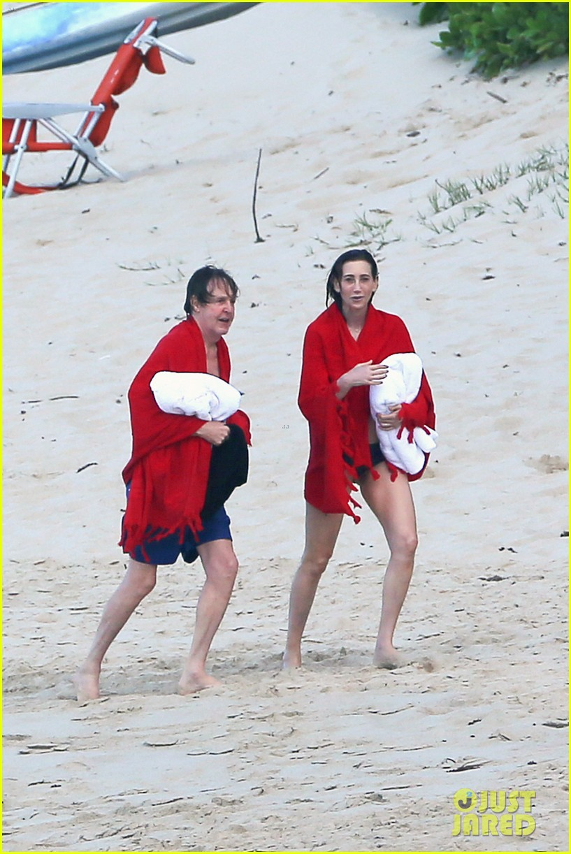 paul mccartney wife nancy shevell shows off fit body at 57 103835132