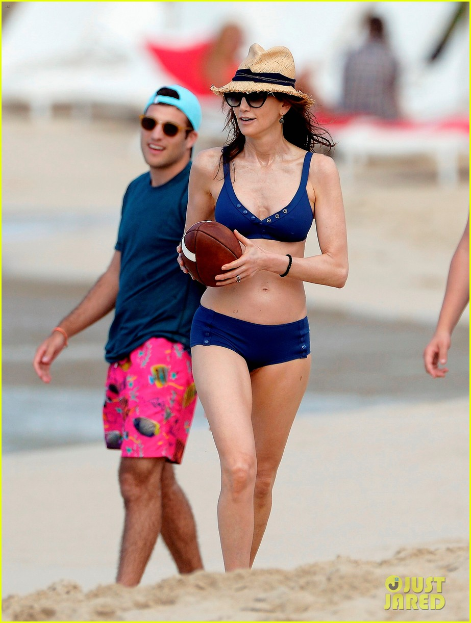 paul mccartney wife nancy shevell shows off fit body at 57 213835143