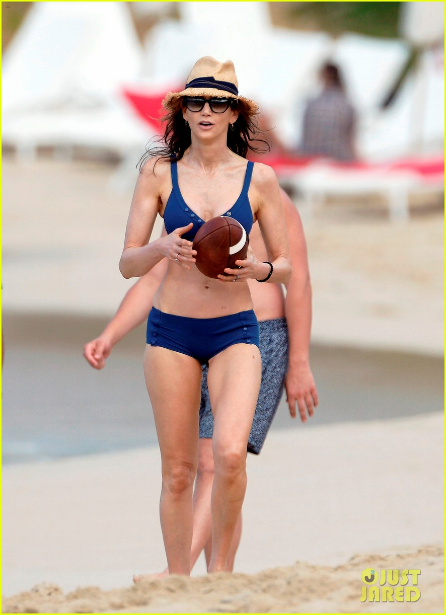 paul mccartney wife nancy shevell shows off fit body at 57 223835144