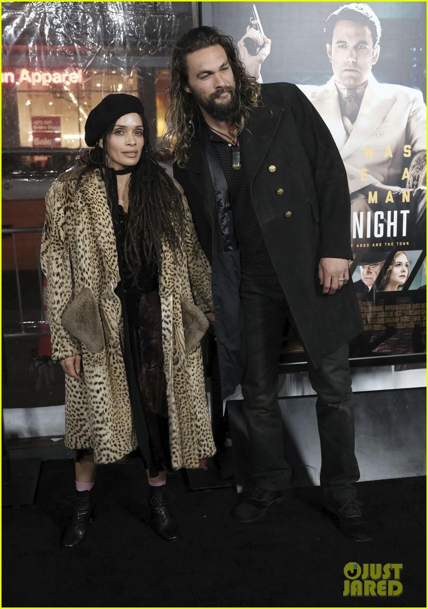 jason momoa wife lisa bonet make rare red carpet appearance at live by night premiere 043840460