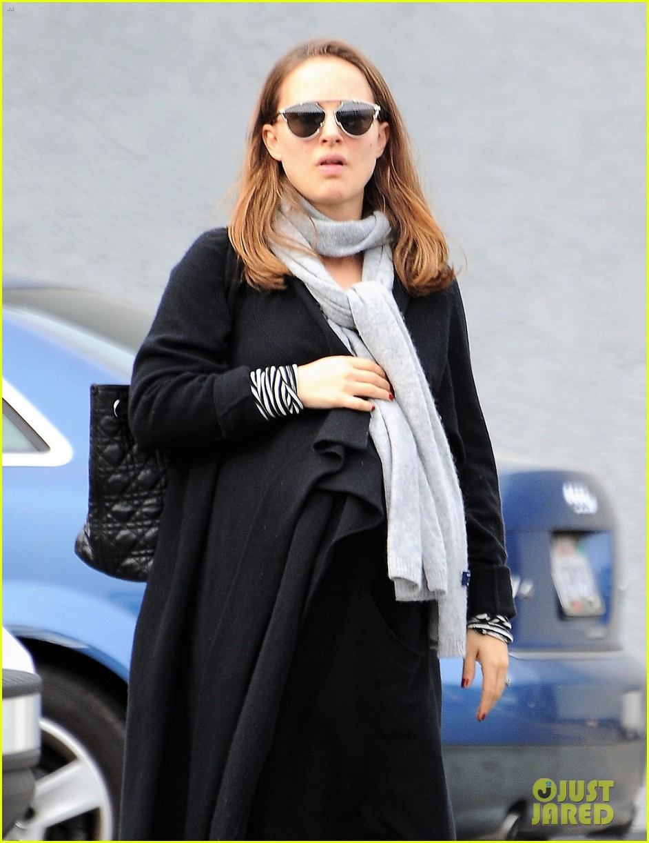 natalie portman wishes her fans a happy new year 023836205