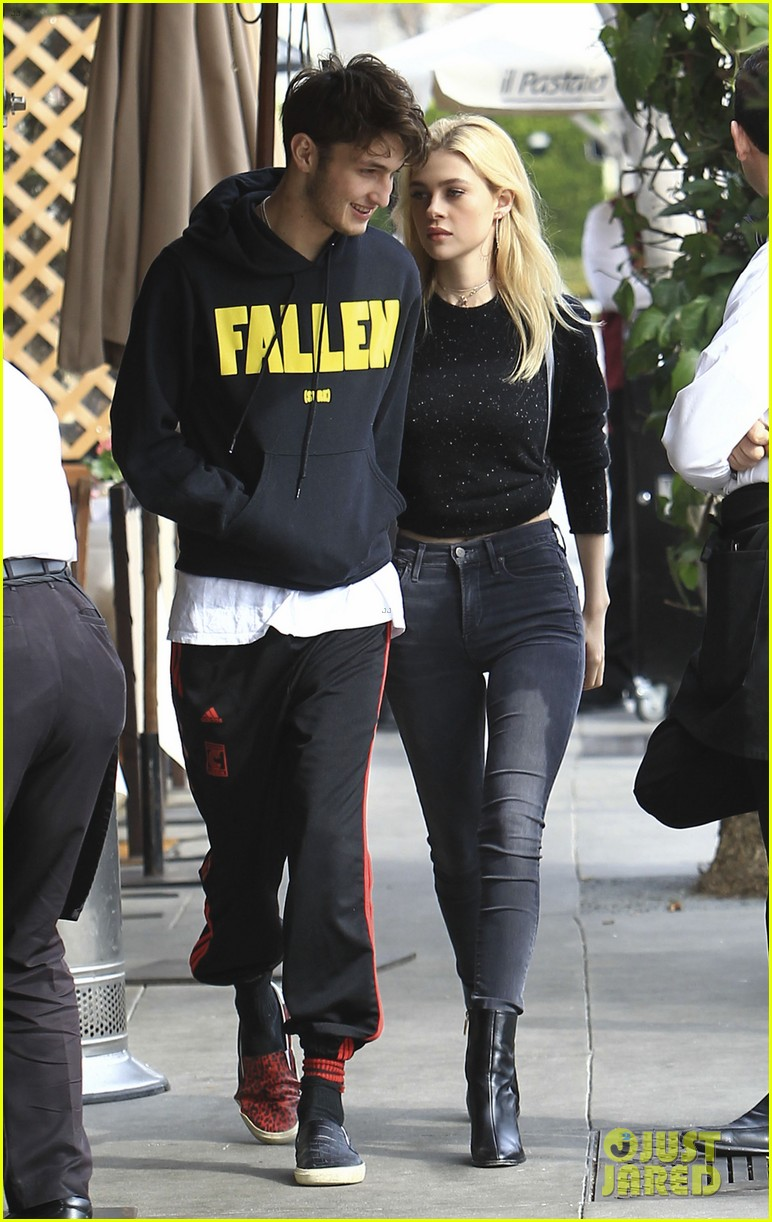 will peltz dating Looks like anwar hadid's girlfriend, actress nicola peltz, has yolanda hadid's seal of approval the real housewives of beverly hills pal shared a photo of the teen model and his gf on instagram and if we can take anything away from the caption, it's that she seems very cool with their romance.