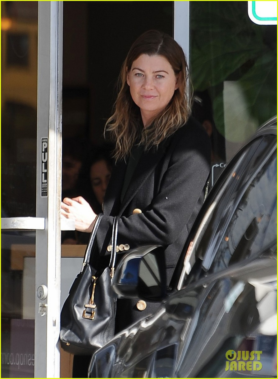 ellen pompeo gets inspired during hiking trip with friends 053840335