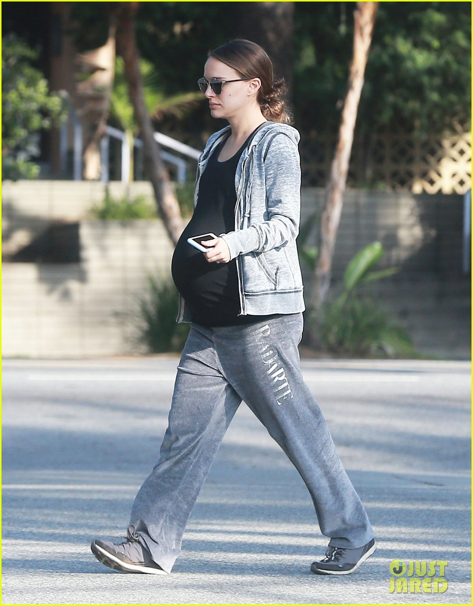 natalie portman baby bump afternoon hike 113844400