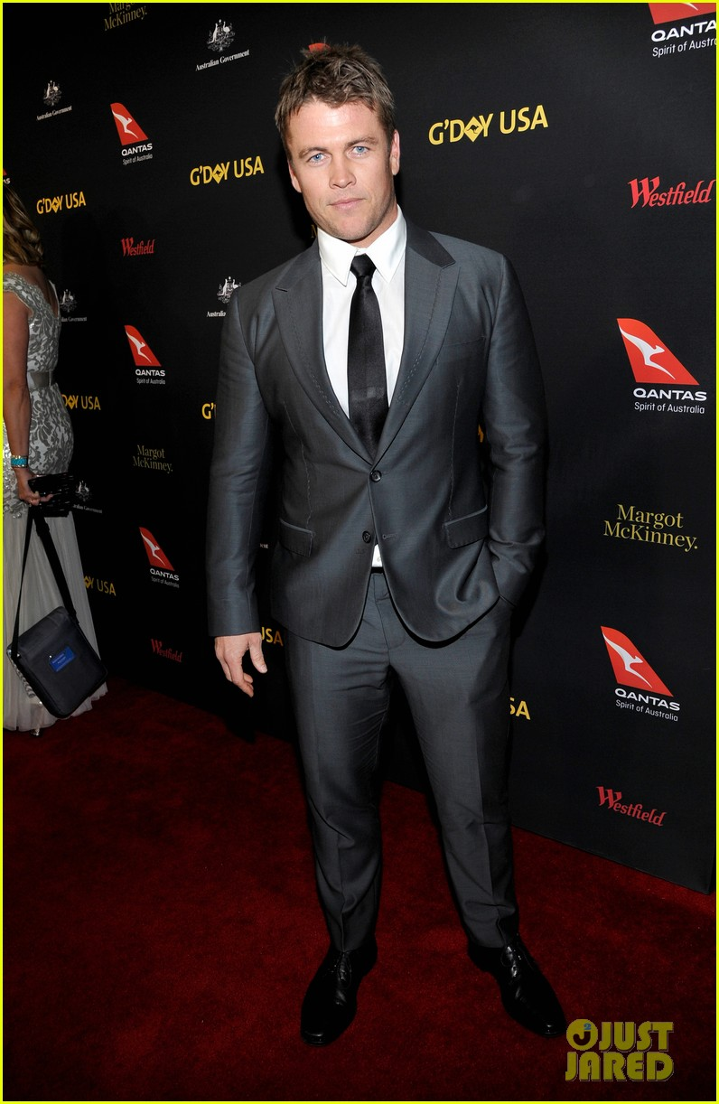 dominic purcell brenton thwaites more suit up for gday black tie gala 023849325