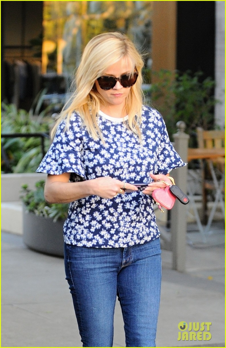 reese witherspoon spouses day jim toth 033849291