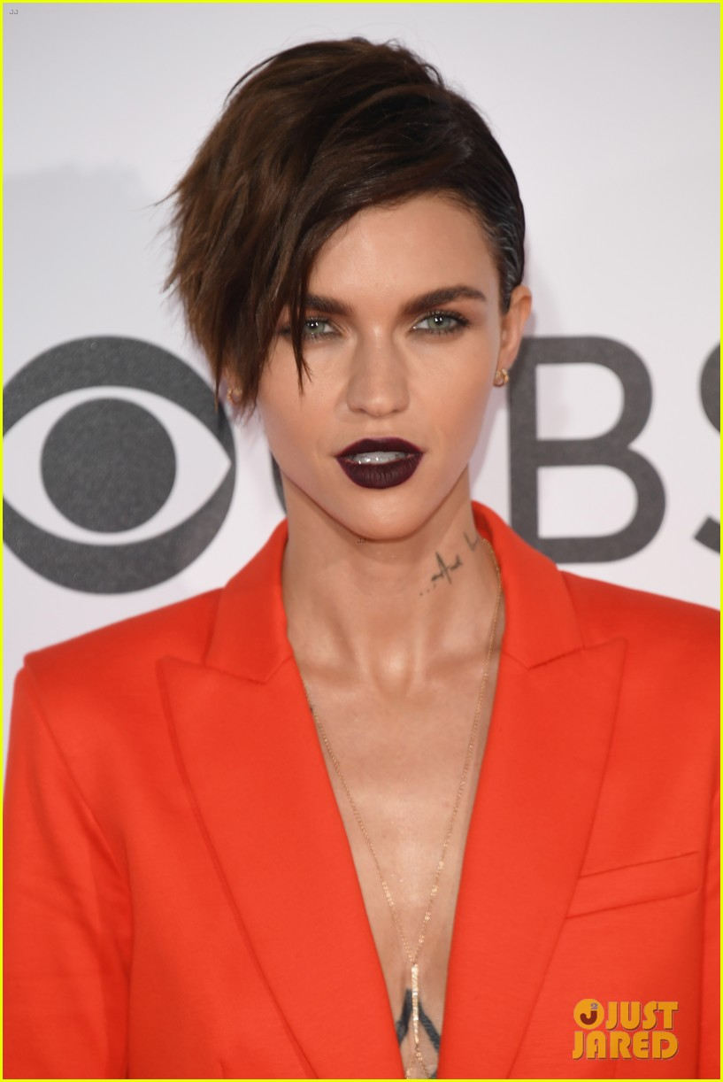 Ruby Rose Amp Ashley Greene Step Out At People S Choice 2017