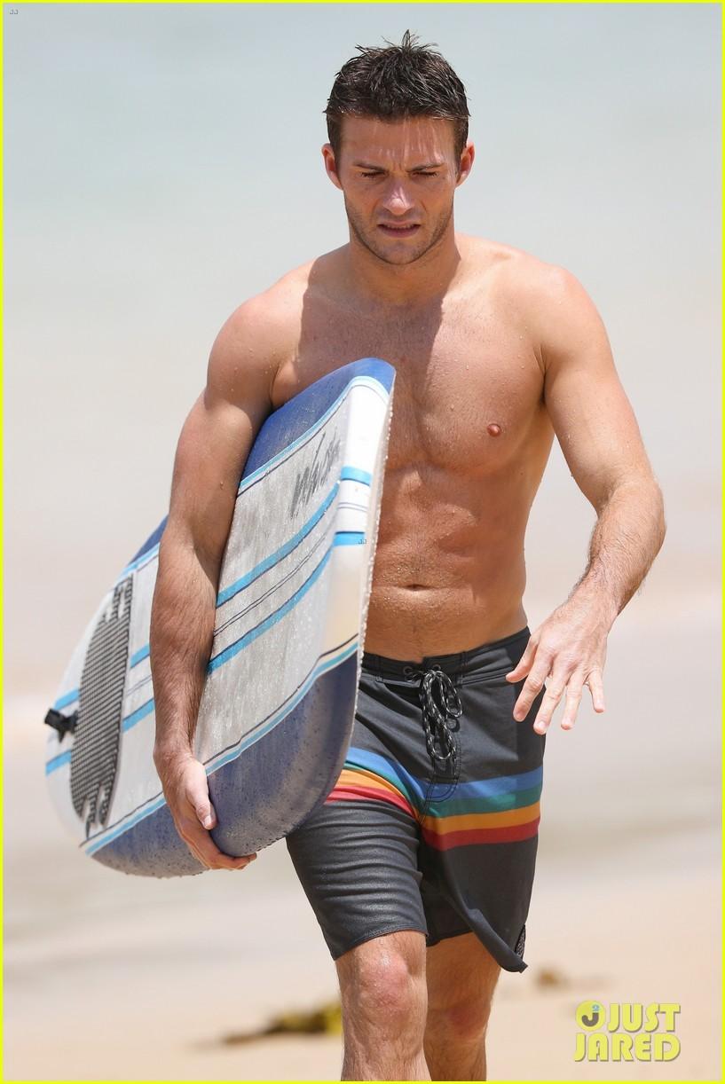 scott eastwood shirtless surfing bondi beach 043841820
