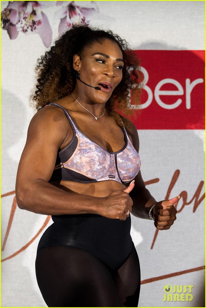 1993c20a06717 Video serena williams dances around in her sports bra photo jpg 817x1222 Serena  williams sports bra