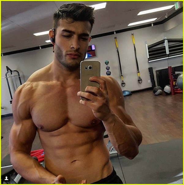 britney spears says she has mad love for sam asghari 043842511