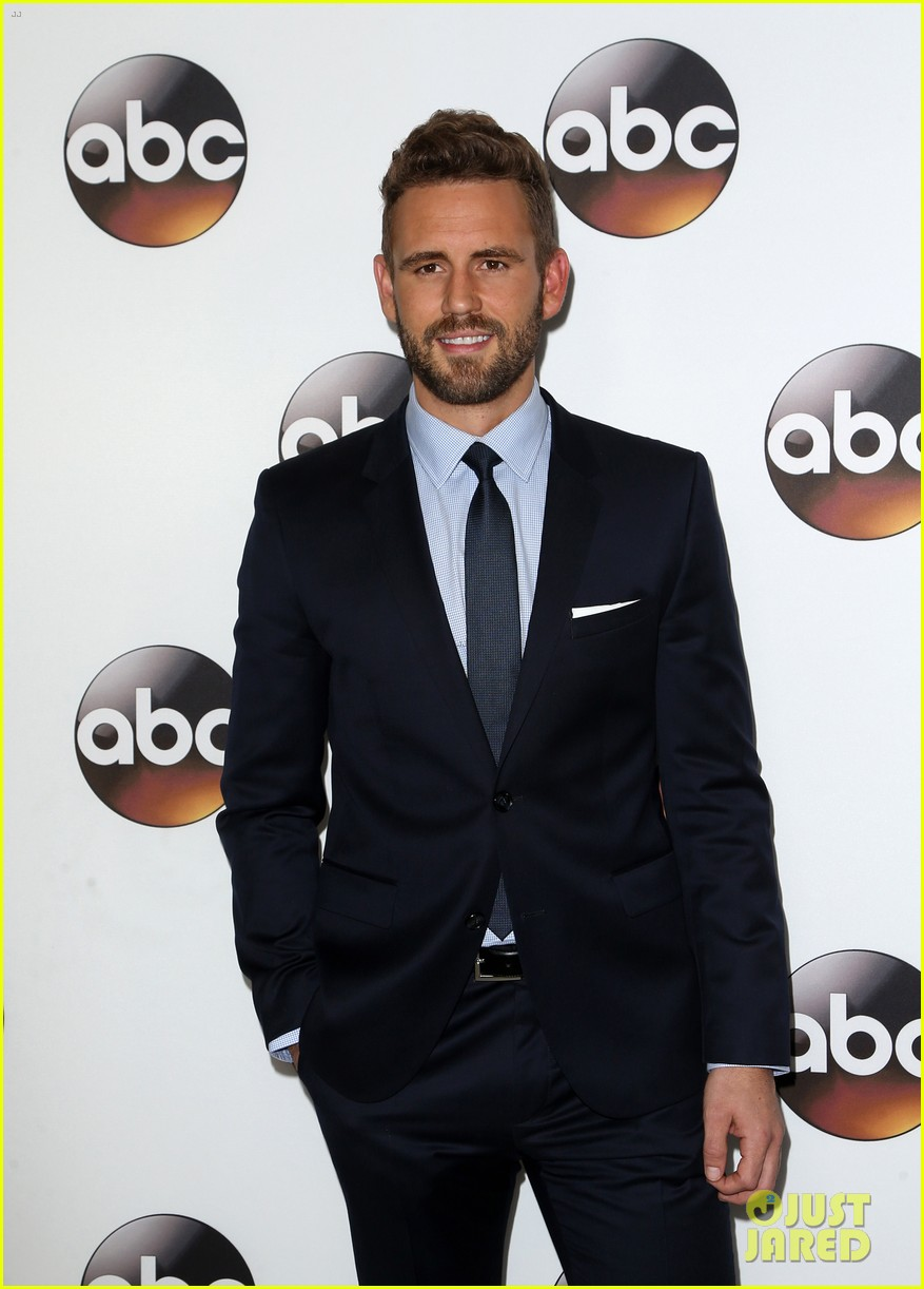 the bachelors nick viall joins tv stars at winter tca 2017 023841053