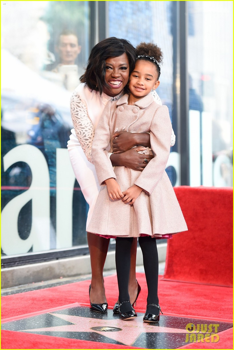 viola davis receives star on hollywood walk of fame 083837182