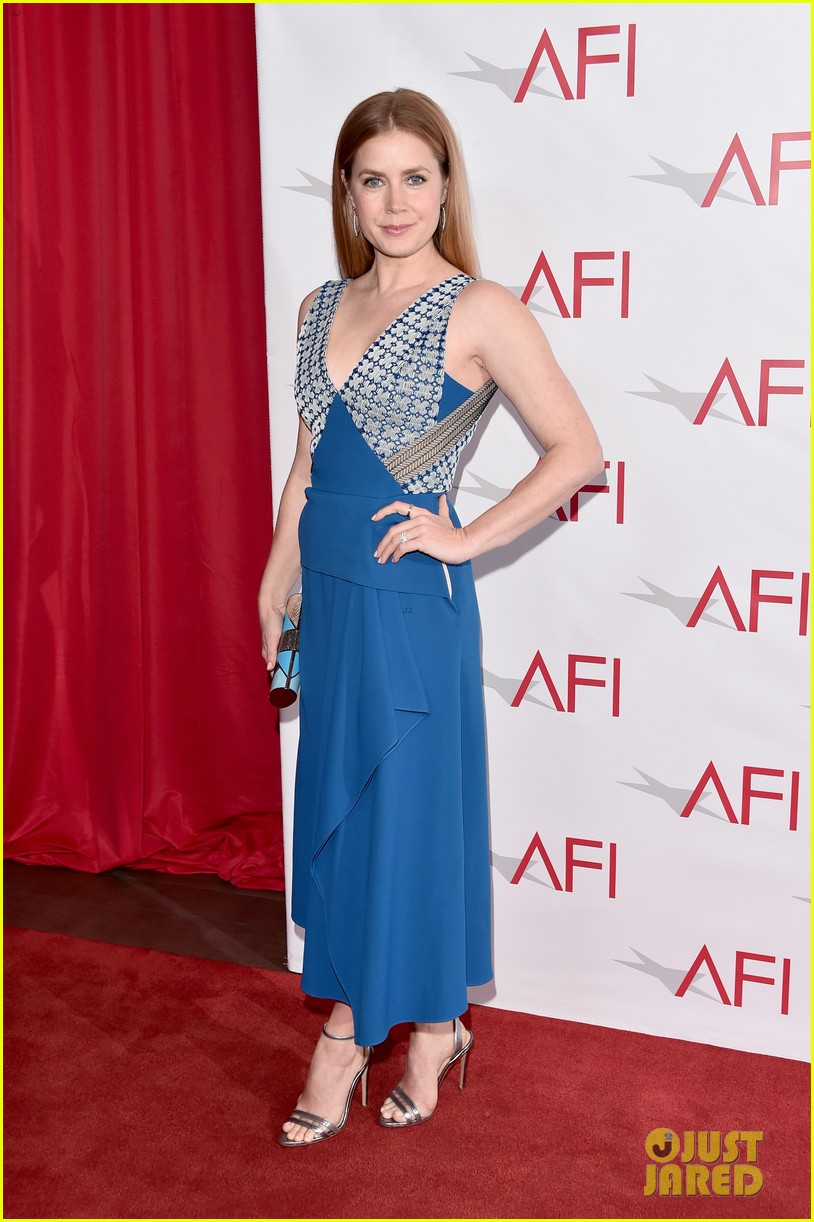 michelle williams and amy adams strike a pose at the afi awards 2017 073837891
