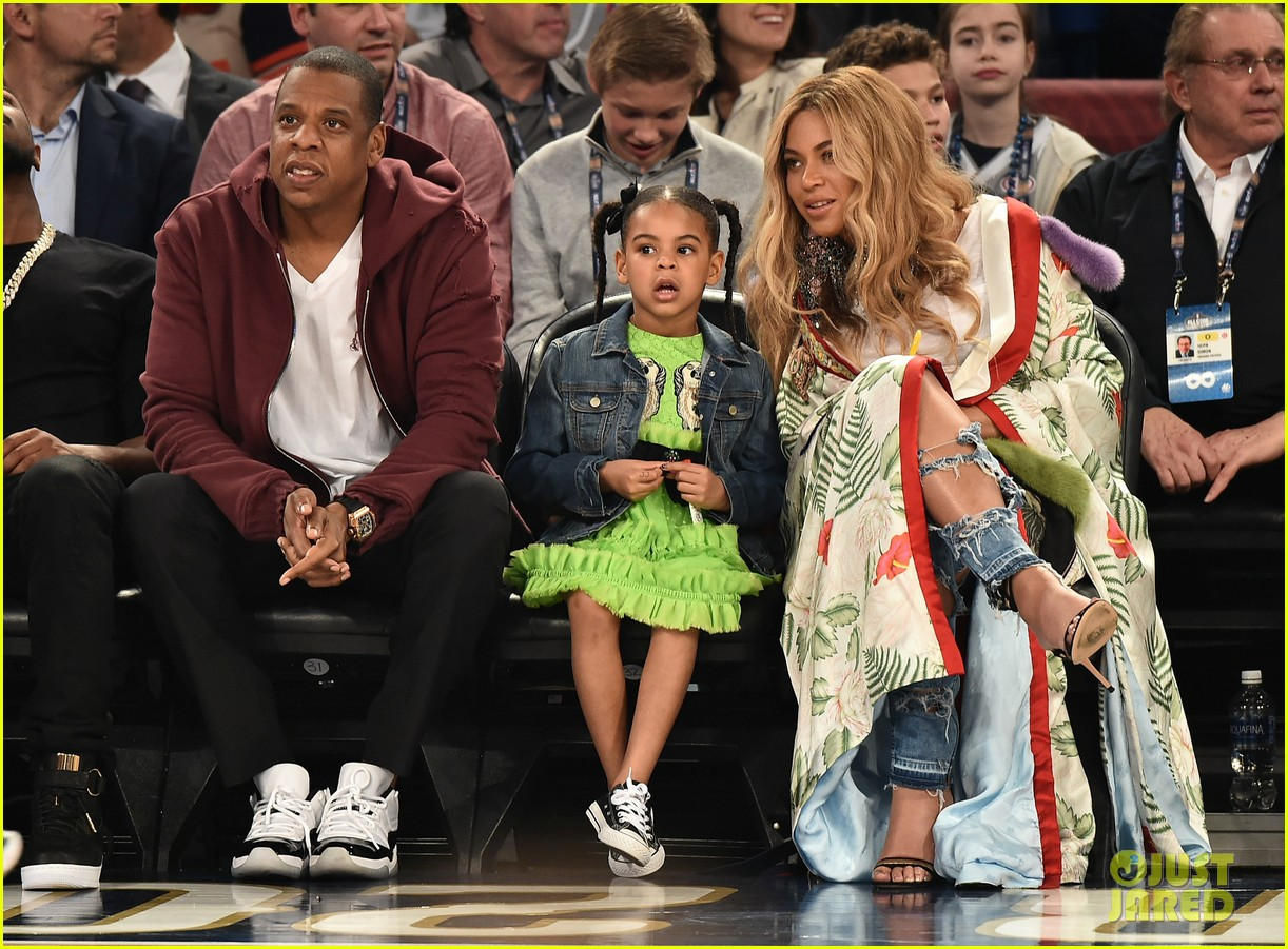 beyonce jay z bring blue ivy to hba all star game 013862742