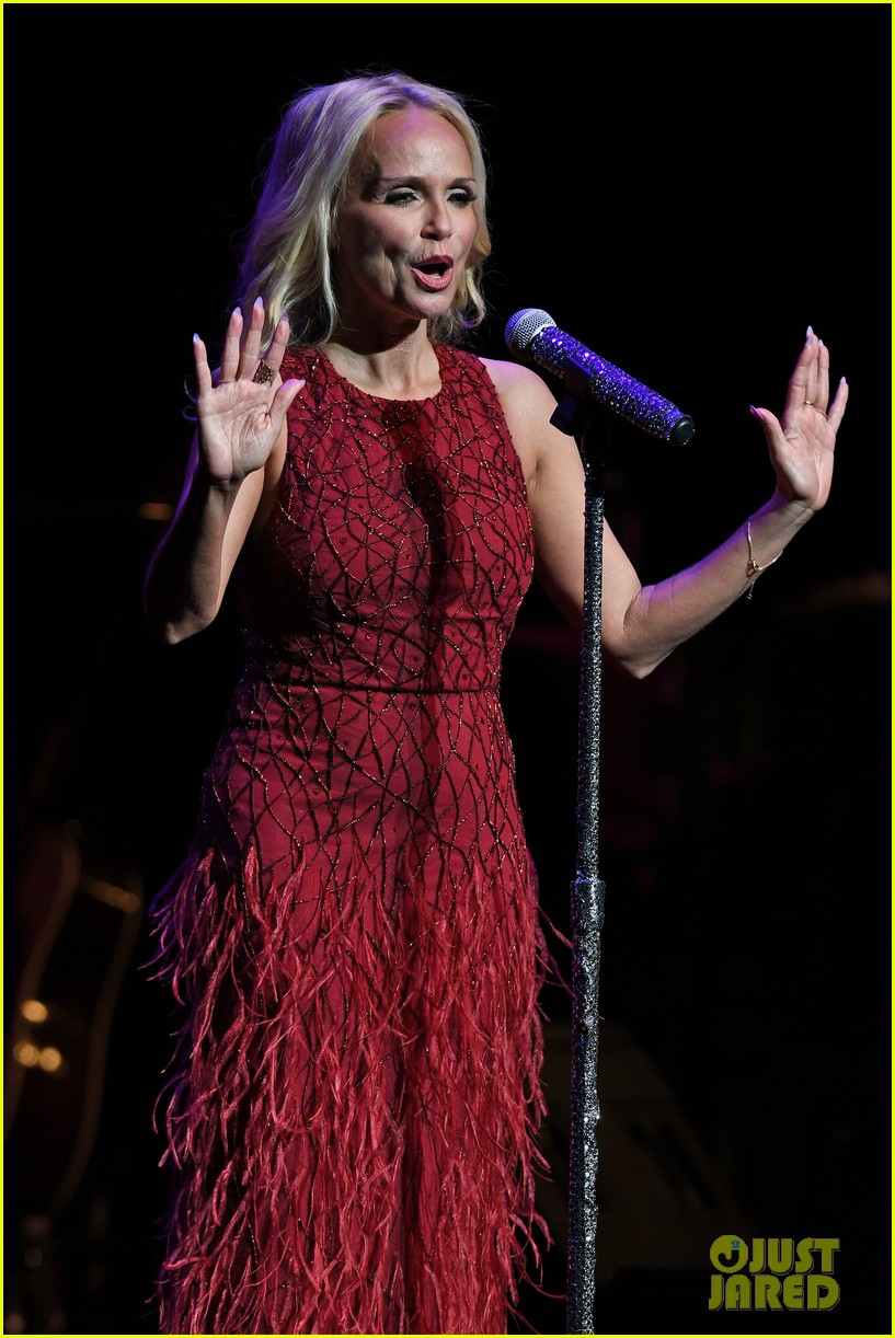 kristin chenoweth hits the stage for intimate valentines day concert 043860678