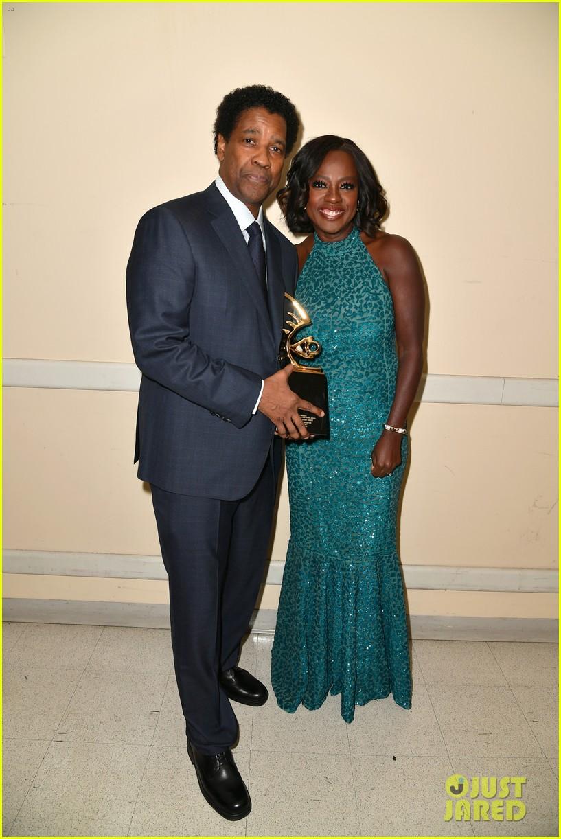 viola davis honored by denzel washington at bet black film festival honors 013862273