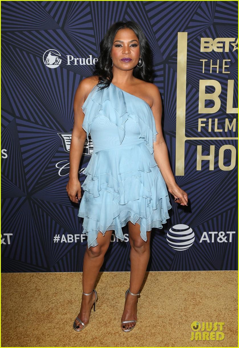 viola davis honored by denzel washington at bet black film festival honors 433862315