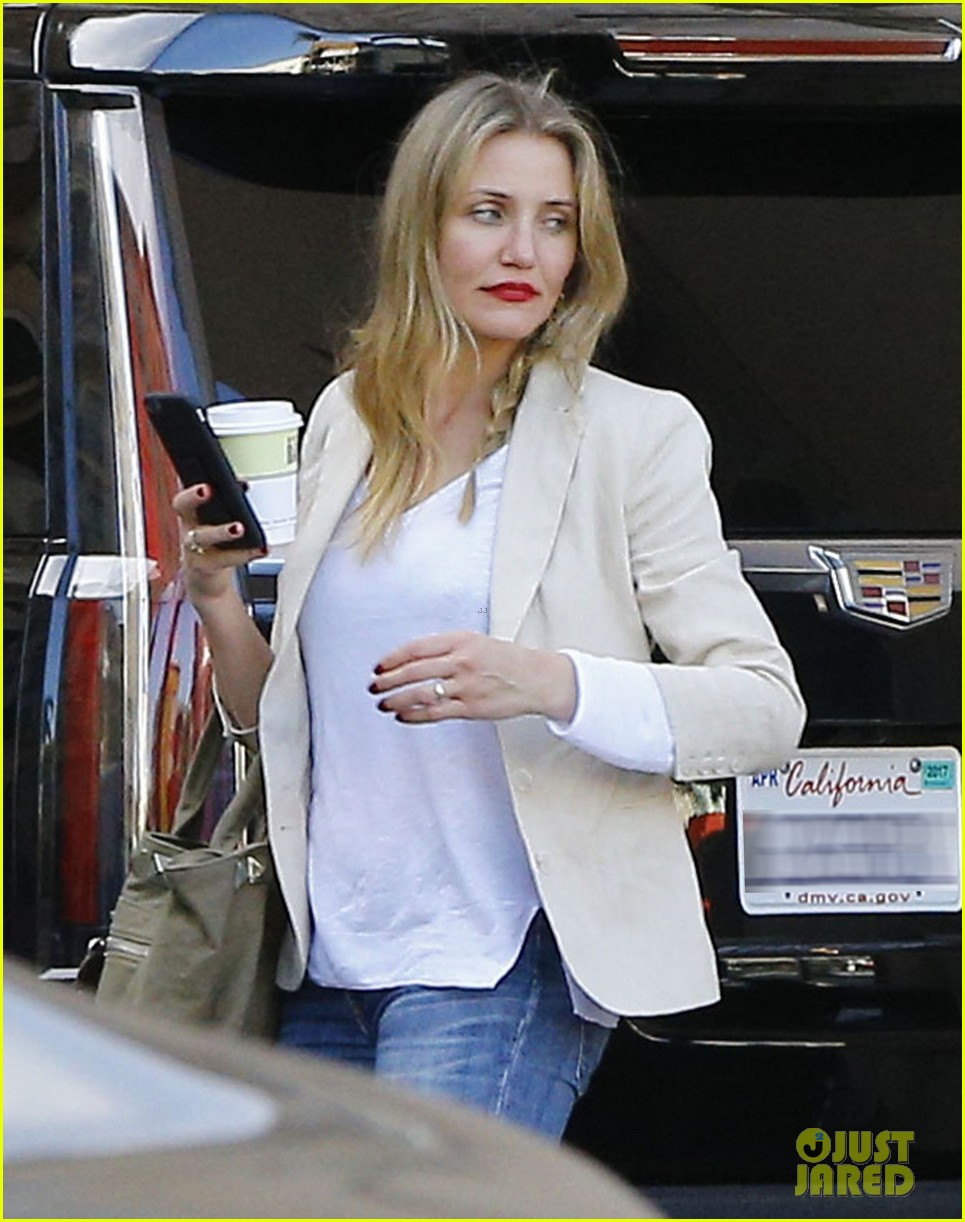 cameron diaz steps out after valentines day date 013860968