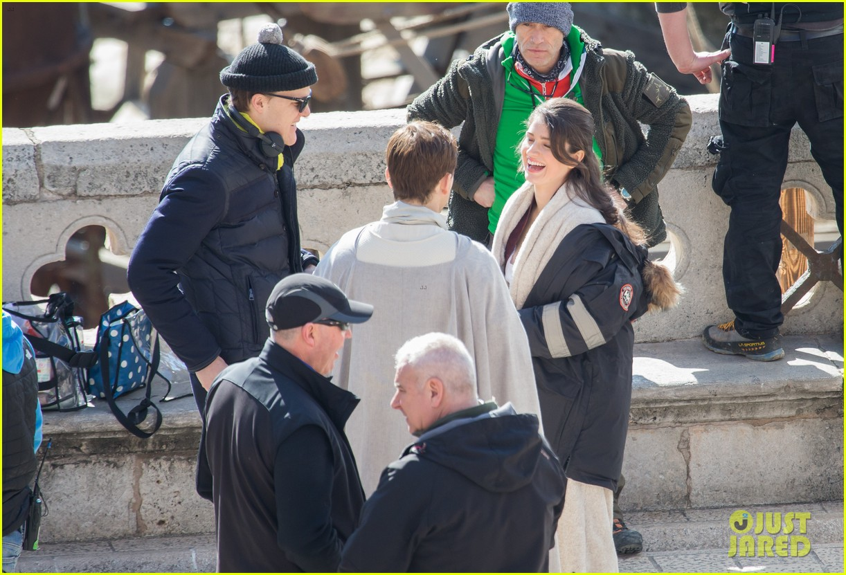 taron egerton spotted as robin hood in first set photos 133862830