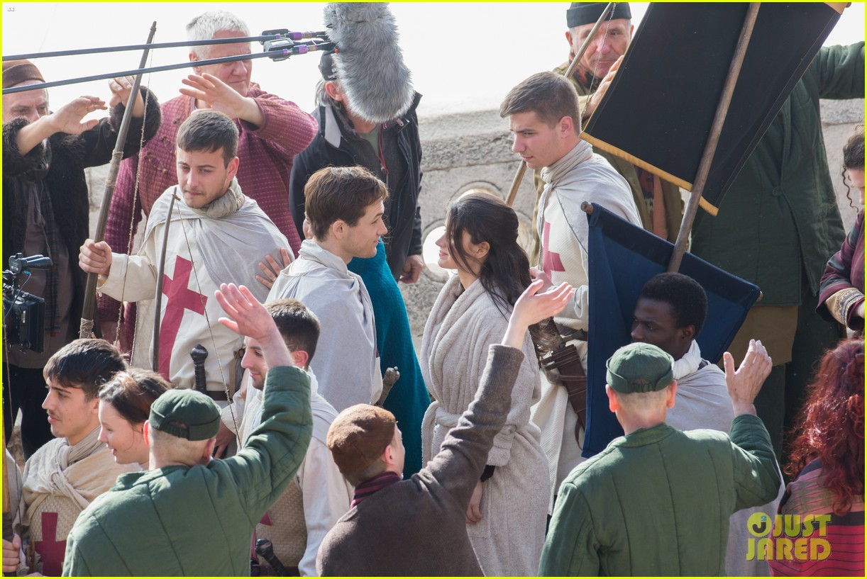 taron egerton spotted as robin hood in first set photos 413862858