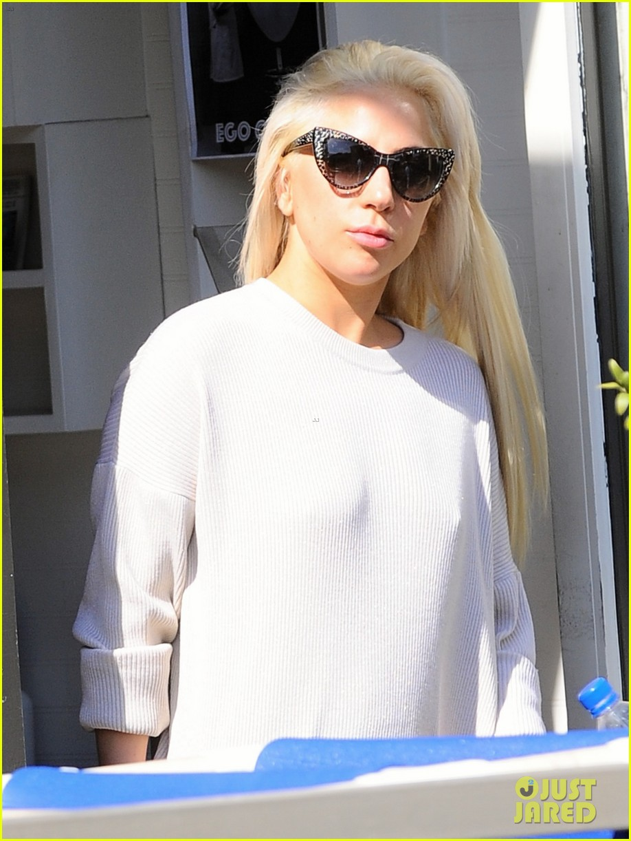 lady gaga emerges from a workout looking absolutely flawless 013865918