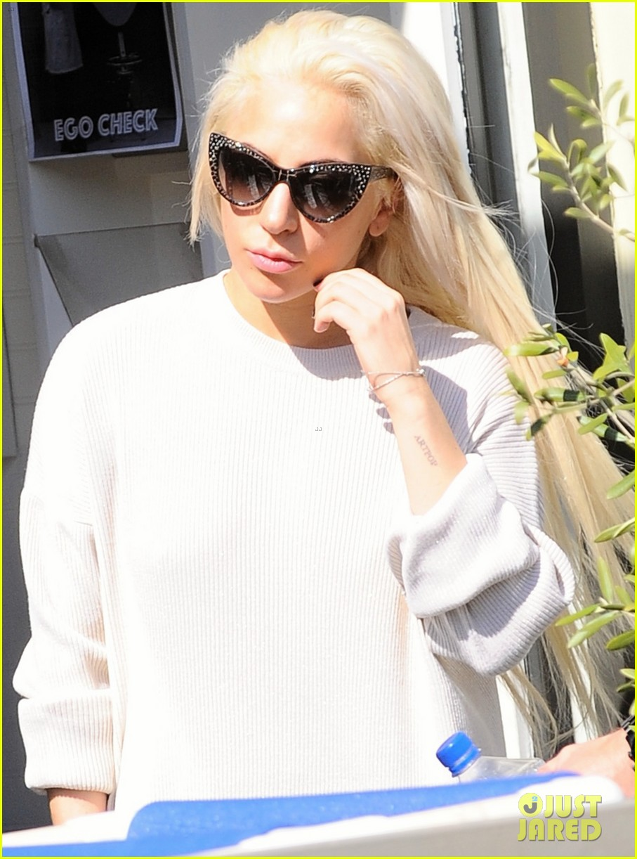 lady gaga emerges from a workout looking absolutely flawless 073865924