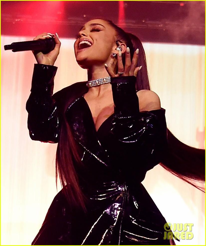 Ariana Grande: 'Dangerous Woman Tour' Set List Revealed!