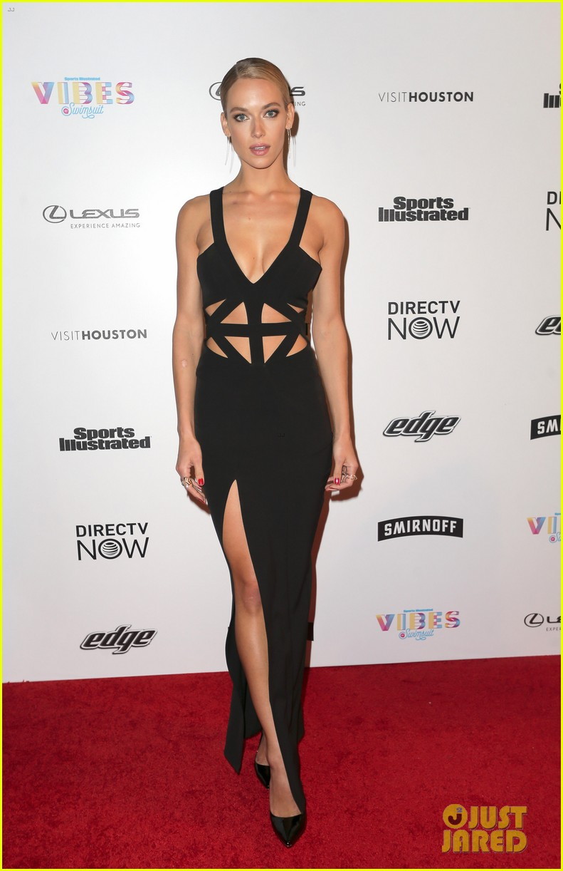 hannah jeter got stuck in an elevator at si swimsuit event 013862212