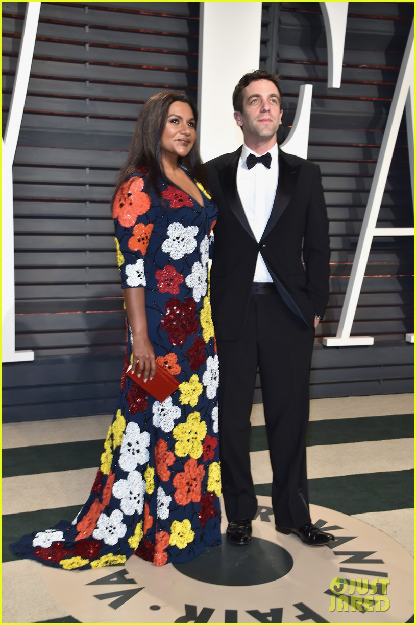 mindy kaling bj novak vf oscar party 023867679